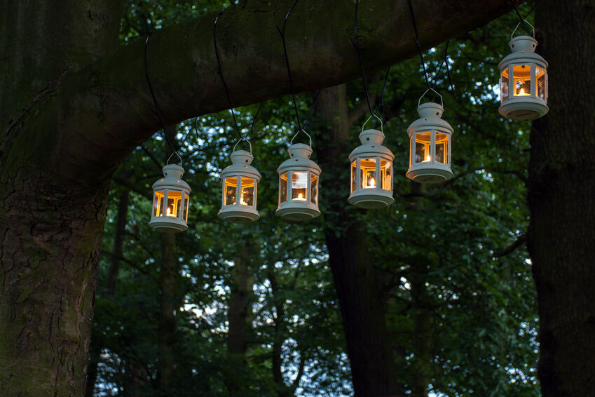 How To Create Romantic Outdoor Lighting EBay - Backyard lighting for a party