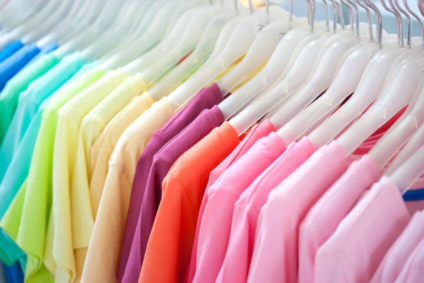 Marken-Bekleidungspaket - ein Haufen guter Klamotten zum kleinen Preis