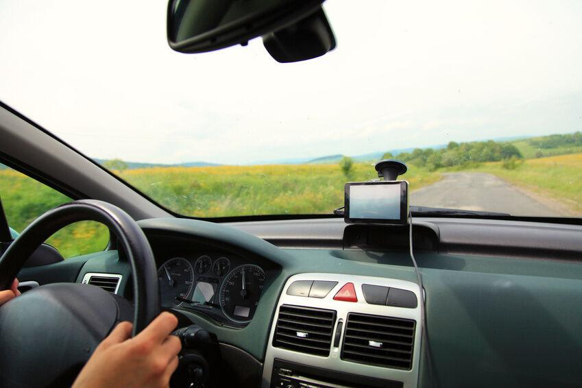 Wie installiert man ein Update auf seinem Mio Navigationsgerät?