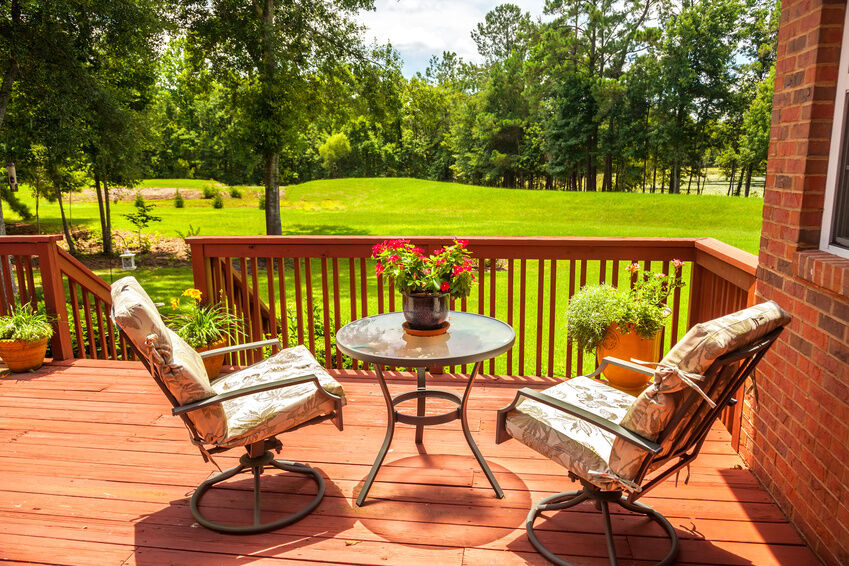 Choosing the Right Type of Patio Furniture for You