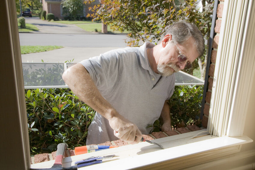 How to Repair a Screen Window
