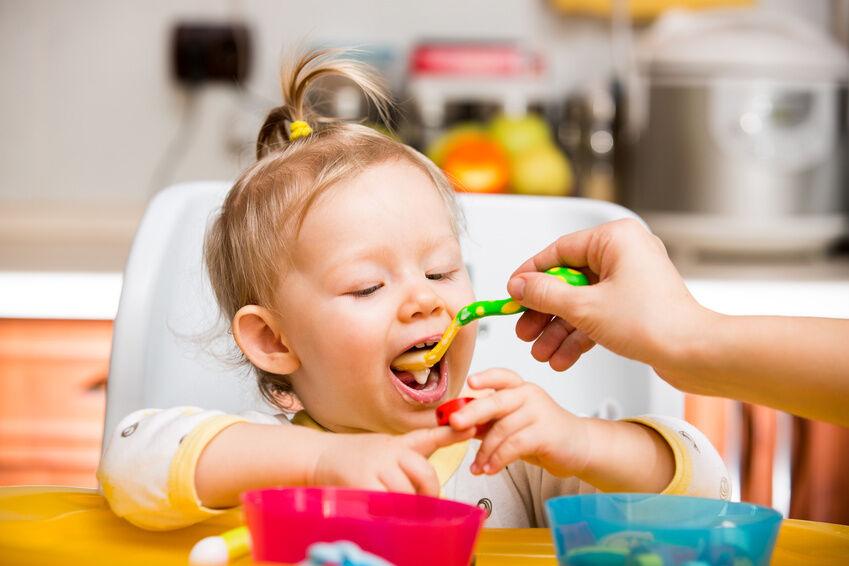 Baby-Brei selbst zubereiten: die besten Rezeptbücher für eine schnelle Zubereitung