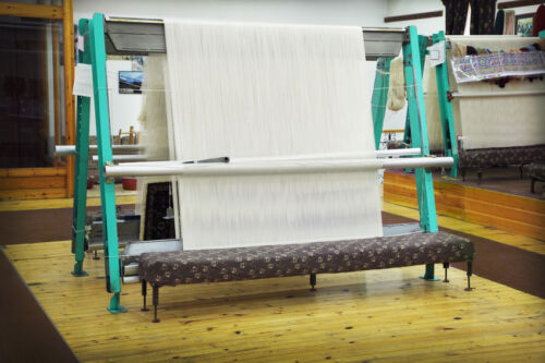 How to Use a Knitting Machine