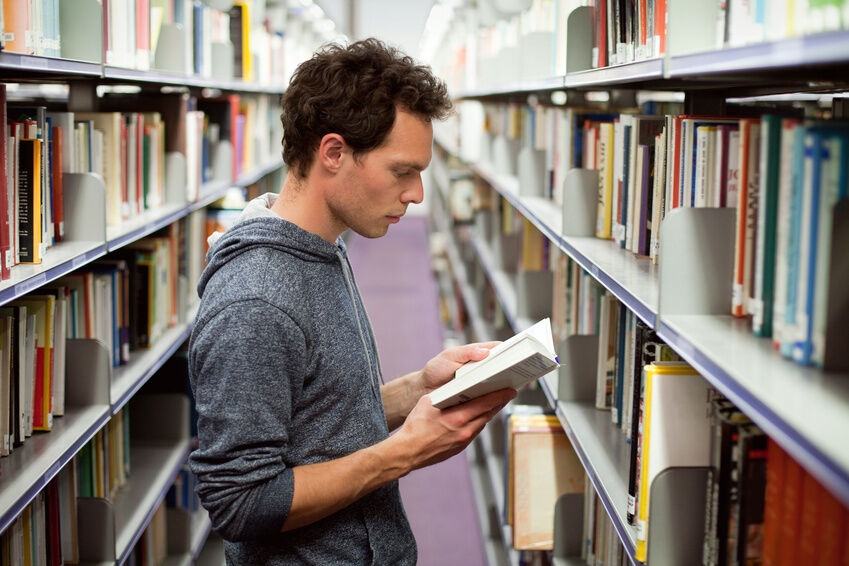 Charles Darwin: Die Top 3 Bücher über den Vater der Evolutionstheorie