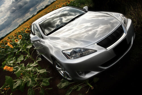 7 Accessories for a Lexus IS200