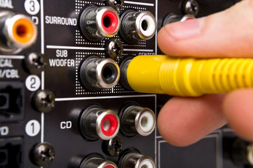 Adapter-, Splitter- oder Klinkenkabel: Kriterien zur Auswahl des AUX-Kabels