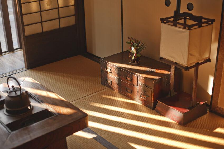 asia m bel darauf sollten sie beim kauf von tischen. Black Bedroom Furniture Sets. Home Design Ideas