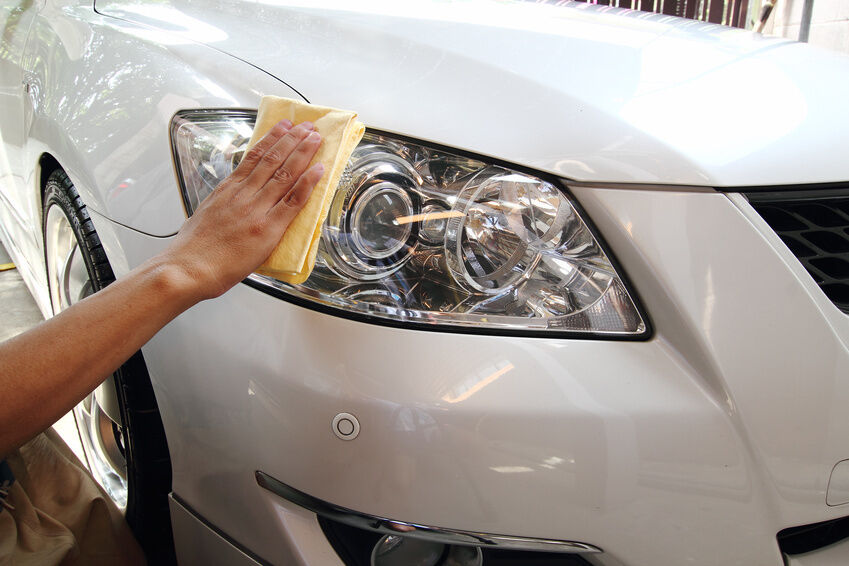 How to Clean Your Car With Microfibre Cloths