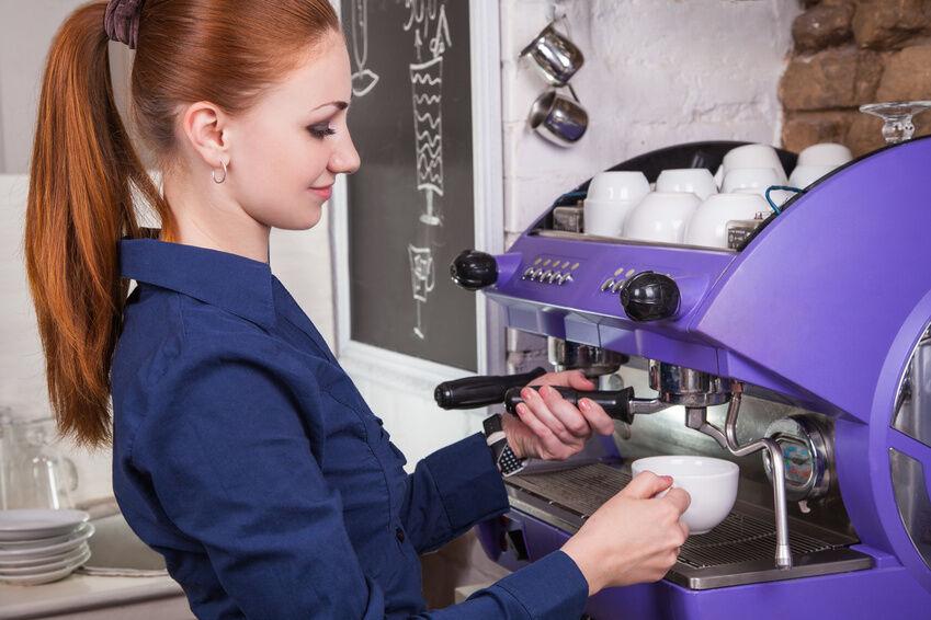 Kaffeevollautomat defekt: Reparieren oder wegwerfen?