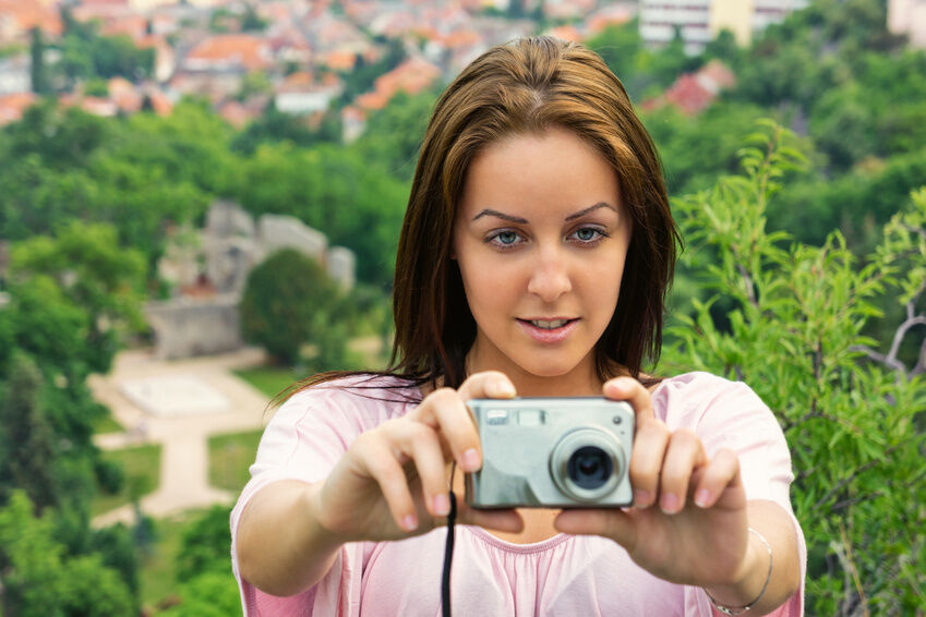 Your Guide to Buying an Affordable Compact Camera