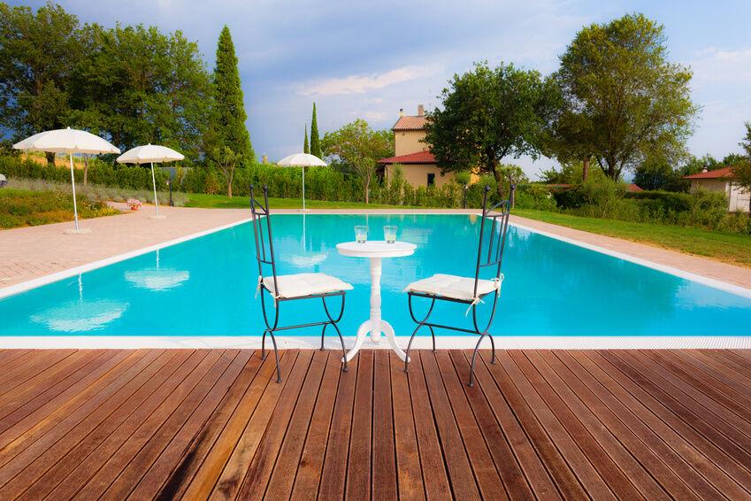 Pool im garten warum nicht tipps zum einbau von gfk for Garten schwimmbecken