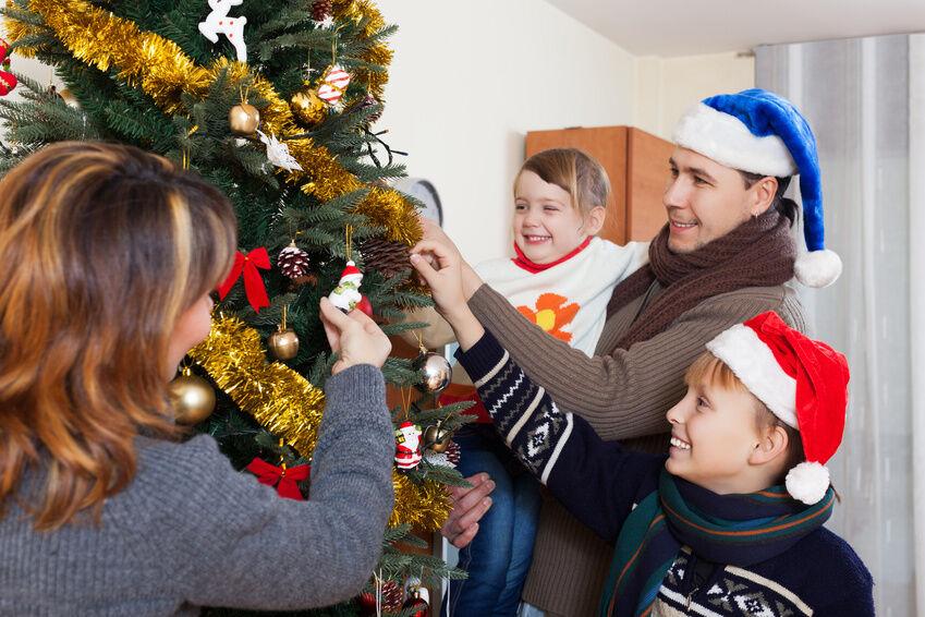 How to Properly Trim a Christmas Tree | eBay