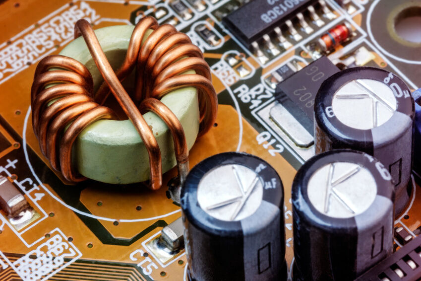 Wie kann man die Kapazität eines Kondensators berechnen?