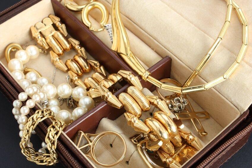 Schmuck gold  Aus dem Schmuckkästchen geplaudert: Was meint eigentlich Gold ...