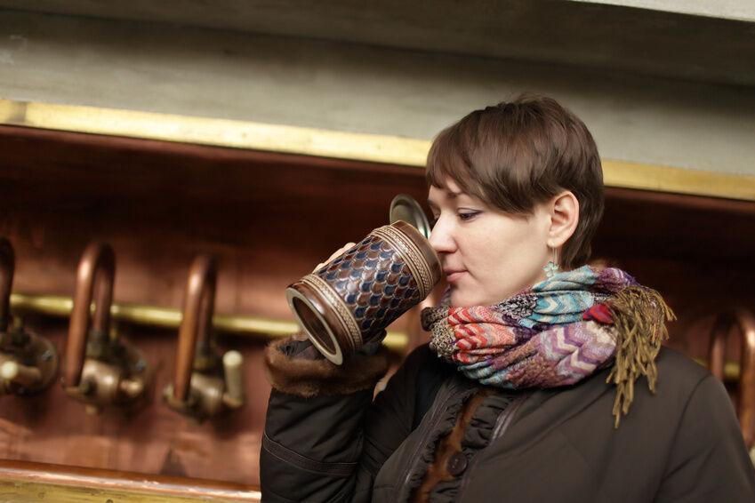 Geschenkideen für ausländische Geschenkpartner: Bierkrug mit Zinndeckel