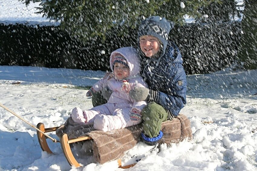 How to Buy Boys' Snowsuits for Newborns