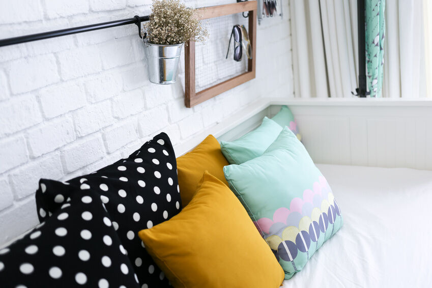 How to Make a Cushion With Vintage Fabric