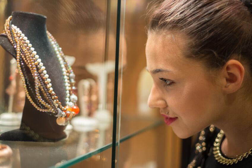 Necklace - fast so alt wie die Menschheit