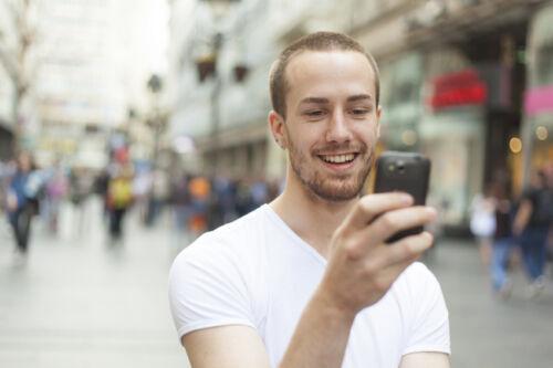 Smartphone MTK 6577 ohne Vertrag: Basismodell mit vielen Features zum kleinen Preis