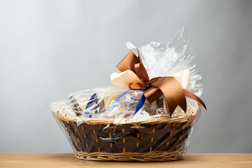 How to Make Gift Baskets With Your Unwanted Gifts