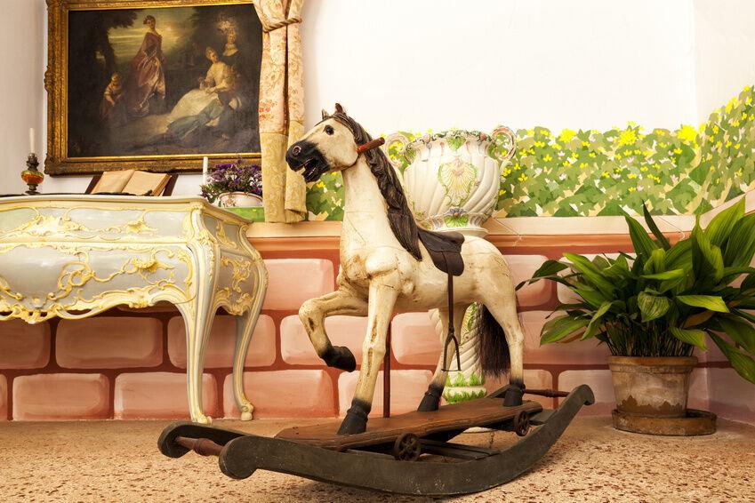 nostalgisches kinderzimmer antike schaukelpferde ebay. Black Bedroom Furniture Sets. Home Design Ideas