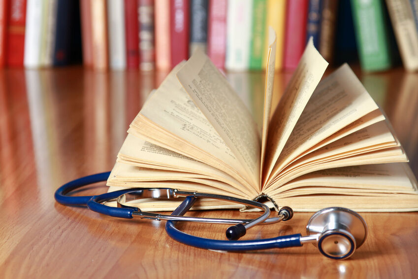 What to Look for When Buying a Family Medicine Book