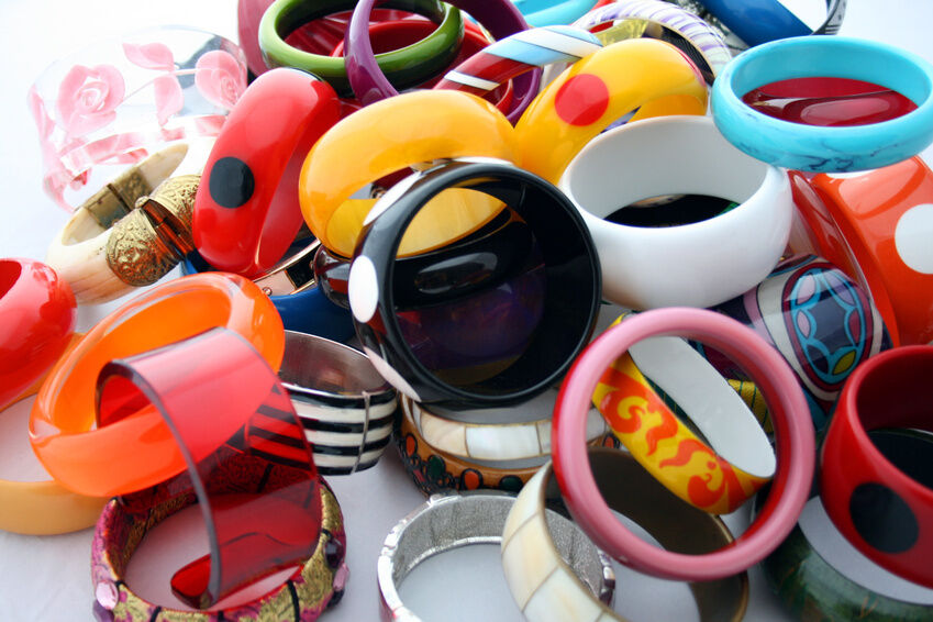 The Collector's Guide to Bakelite Accessories