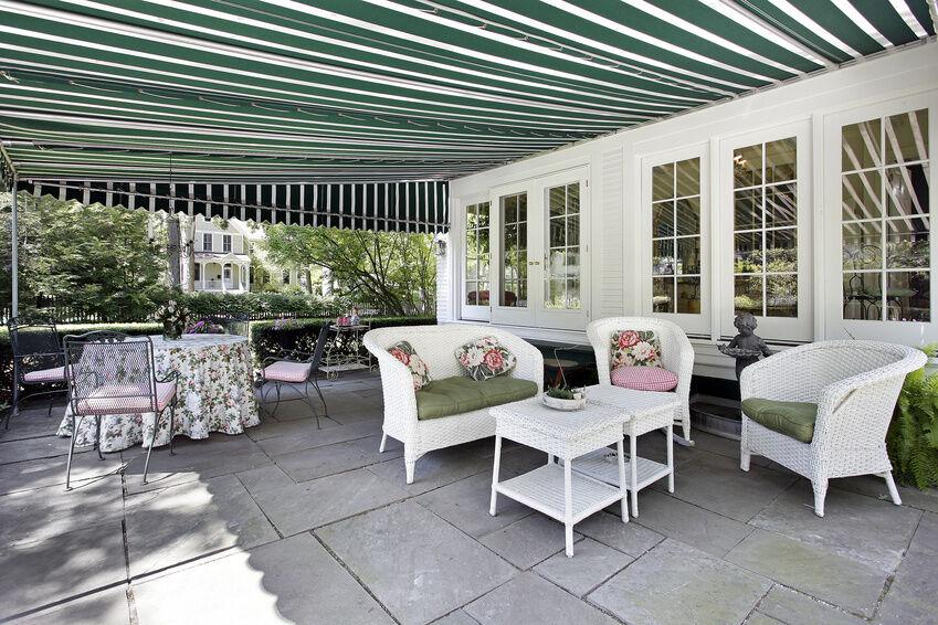 sonnensegel nach ma so finden sie den richtigen sonnenschutz f r ihre terrasse ebay. Black Bedroom Furniture Sets. Home Design Ideas