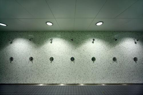 Einbaustrahler und Spiegelbeleuchtung: So wählen Sie Nassraumleuchten richtig aus