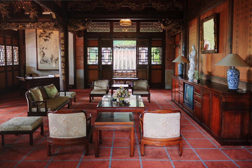 asia m bel darauf sollten sie beim kauf von tischen schr nken und co achten ebay. Black Bedroom Furniture Sets. Home Design Ideas