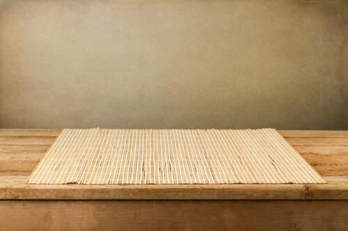 Tisch-Sets richtig auswählen: Platzdeckchen aus Bambus, Kunststoff und Textil