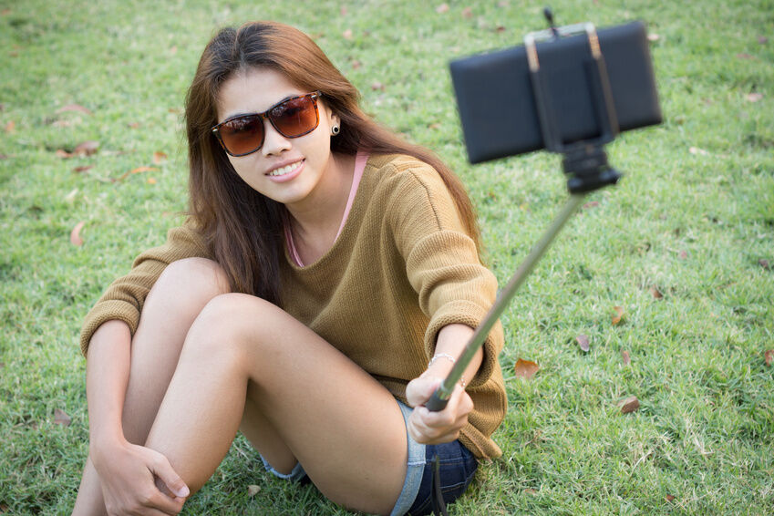 How to Use a Monopod