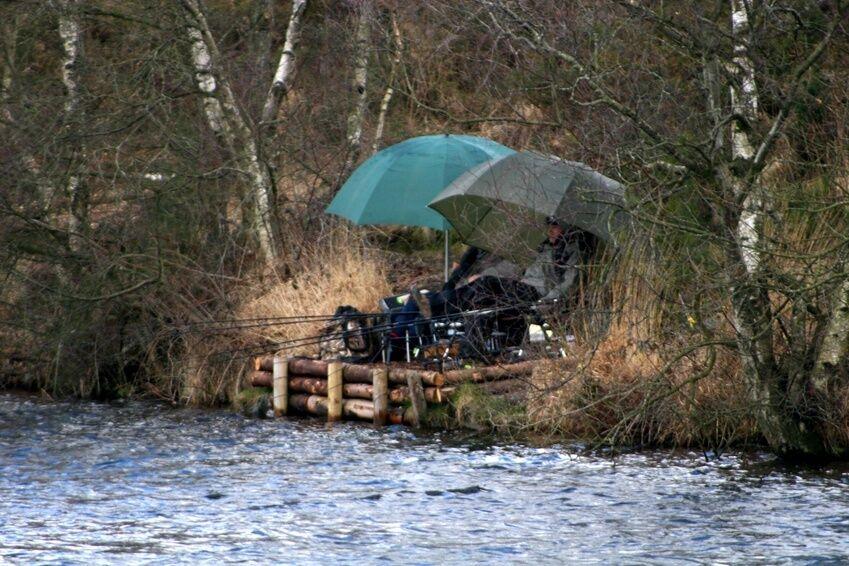 Angeln bei jedem Wetter Anglerschirme mit Zeltfunktion im Uberblick