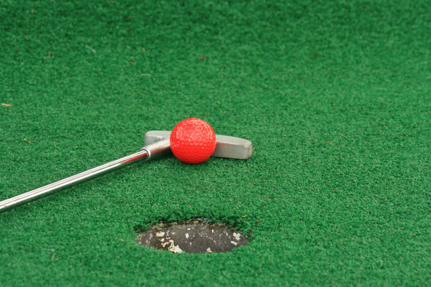 Vintage Golfer Collectibles Buying Guide