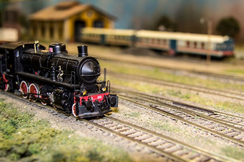 How to Maintain Vintage Bachmann OO-Gauge Locomotives