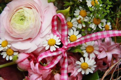 Tipps für den Kauf von Floristik-Zubehör: Bänder & Schleifen für kreative Blumen-Arrangements