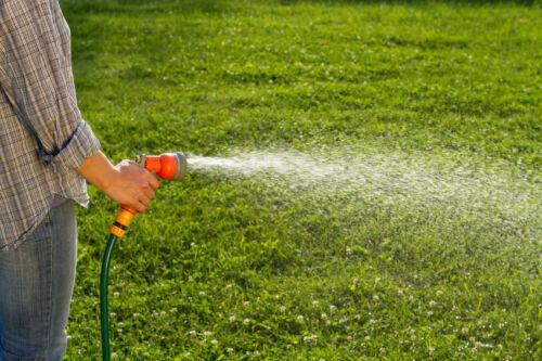 Mit einem geeigneten Verteiler die Bewässerung im Garten steuern