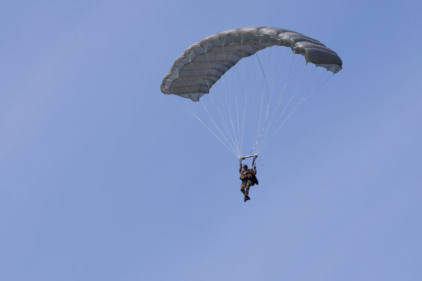 The Collectors Guide to Buying a Military Parachute