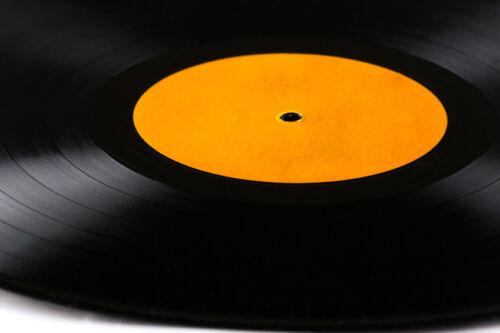 musik auf vinyl sammeln was ist das besondere an den gerillten scheiben ebay. Black Bedroom Furniture Sets. Home Design Ideas