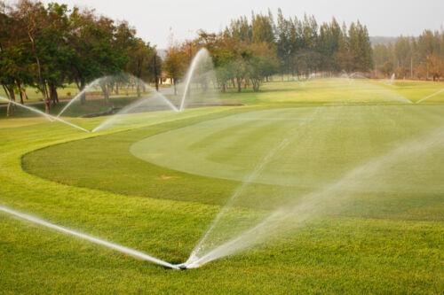 Eine Bewässerungsanlage mit Sensoren steuern