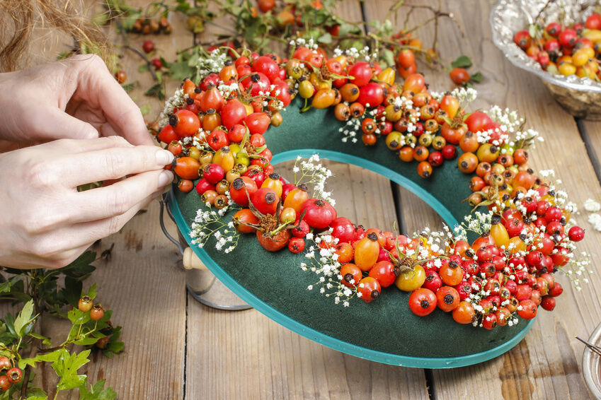How to make door wreaths ebay for How to make christmas door wreaths