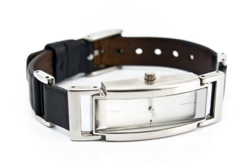 Women's Leather Wristwatch Buying Guide