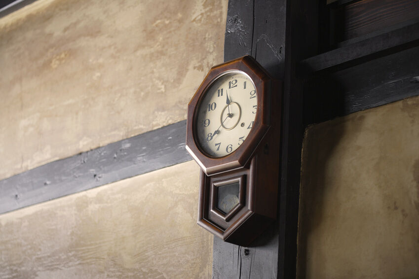 What to Consider When Buying an Antique Wall Clock