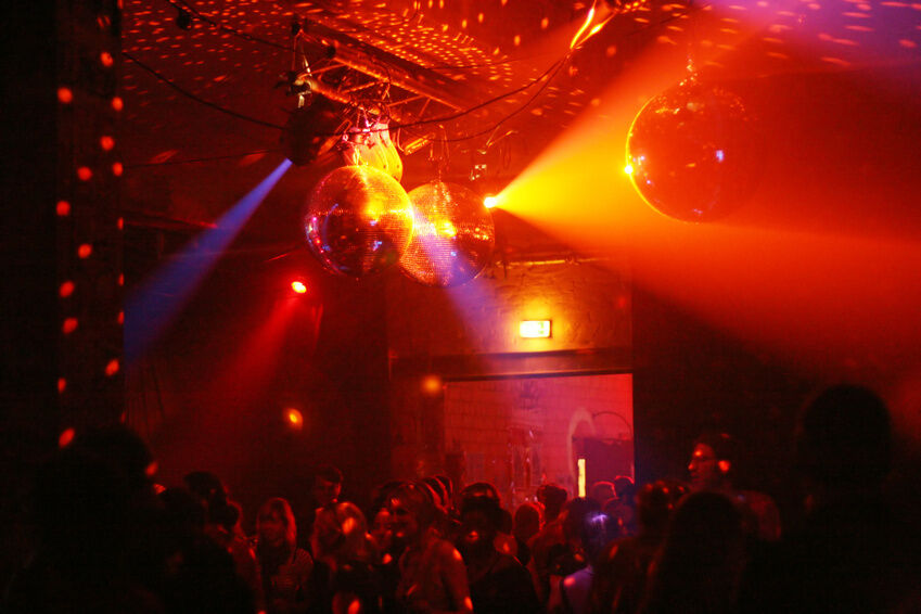 How to Find the Right DMX Lighting for Your Sound Stage