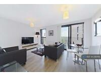 1 bedroom flat in Kingfisher Heights, London, E16 (1 bed)