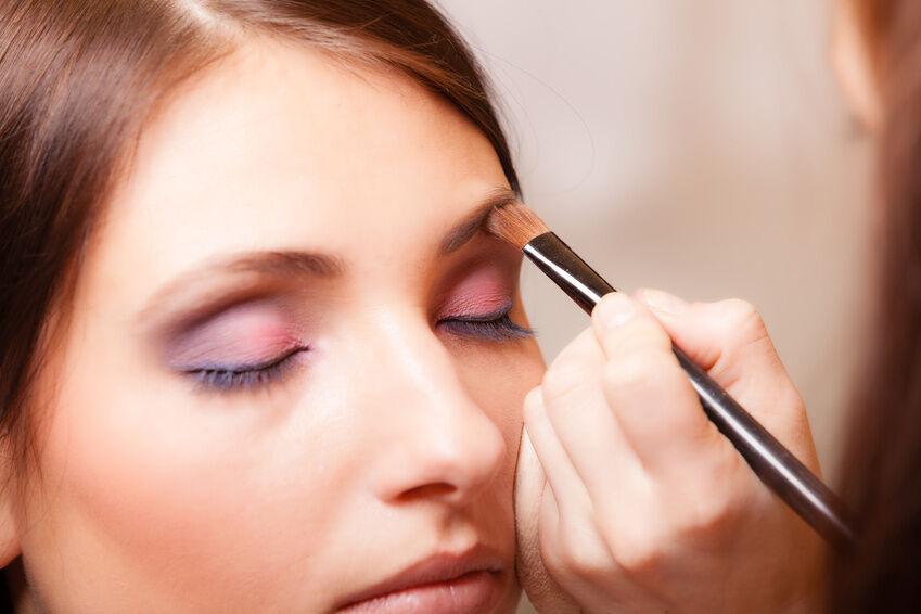 How to use Eyebrow Powder