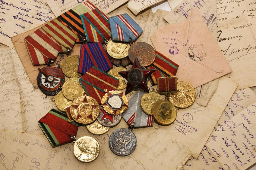Ehrenzeichen aus der DDR - darauf sollten Sammler achten