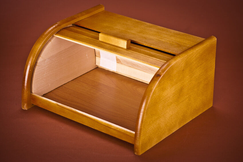 Choosing the Right Wooden Bread Bin for a Modern Kitchen