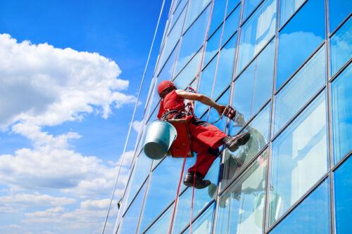 Externe Dienstleistungen – Ratgeber für die Beauftragung einer Gebäudereinigung