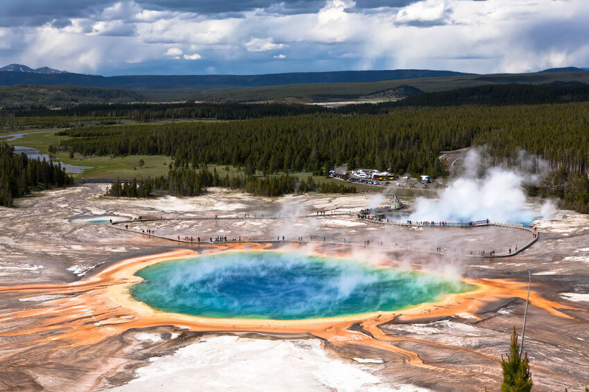 Top Attractions In The USA EBay - Top 10 things to see in yellowstone national park